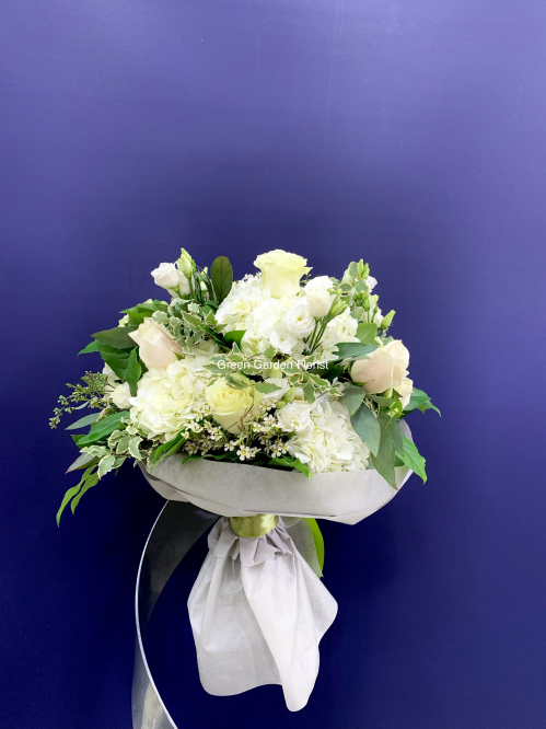 Luxury White and Green Bouquet  (19-136)